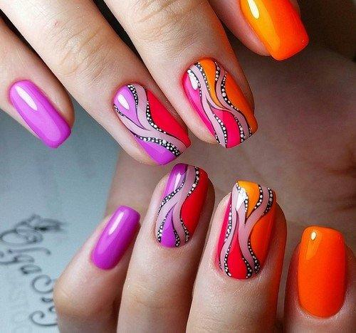 Яркие дизайны на ногтях