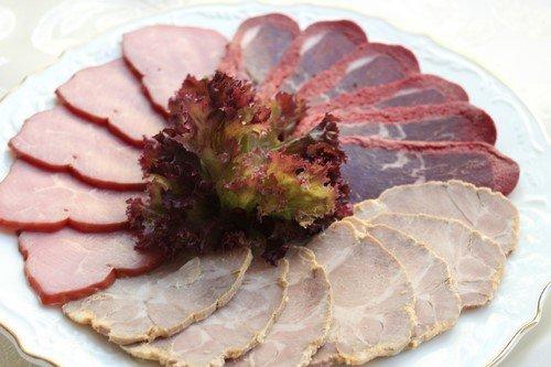 Мясная нарезка: как оформить мясную нарезку - фото идеи