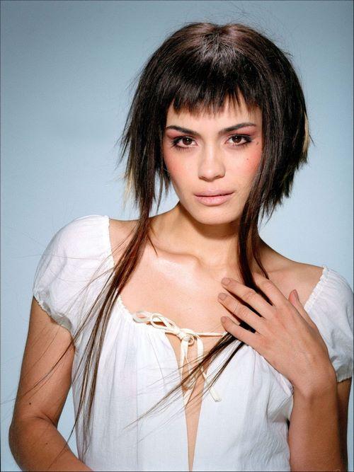 Модные рваные стрижки - фото идеи стрижек на разную длину волос