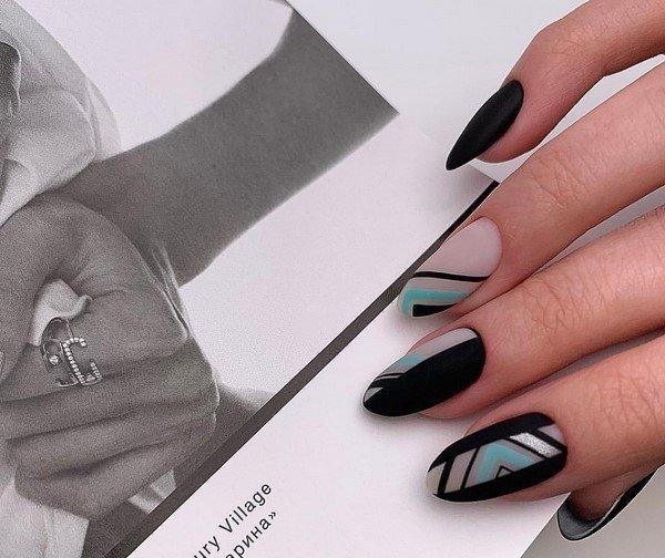 Окутанный загадкой черный маникюр в искусных примерах дизайна