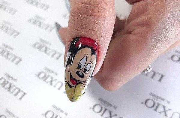 Стильные решения и интерпретации модного маникюра на ногти разной длины