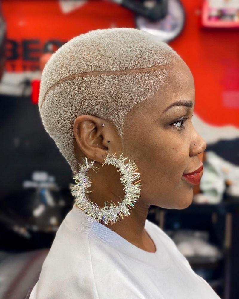 Как подстричься женщине? Модные женские стрижки 2021-2022 на фото